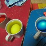 Dye eggs